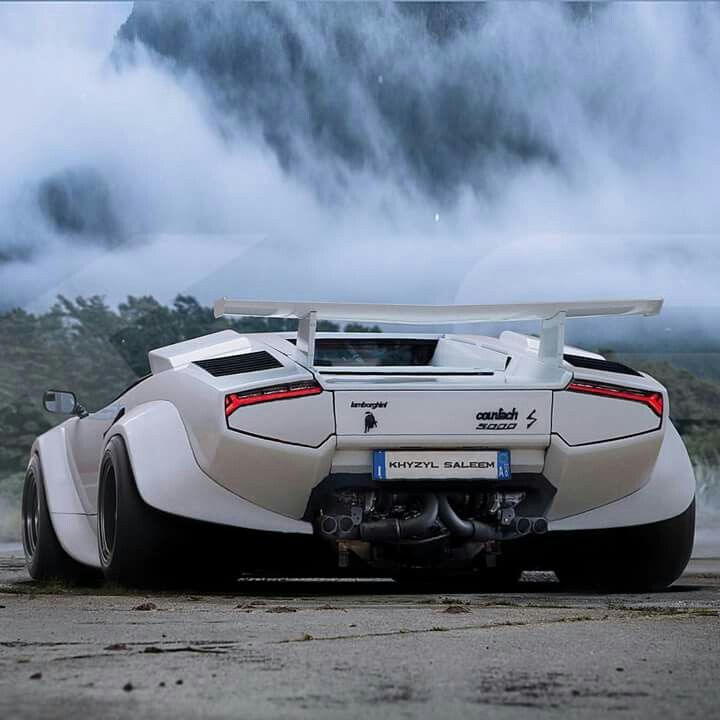 Lamborghini Countach - Amazing! #Lamborghini #Italian #SuperCars #Speed #Power #Performance #Cars #CarShowSafari