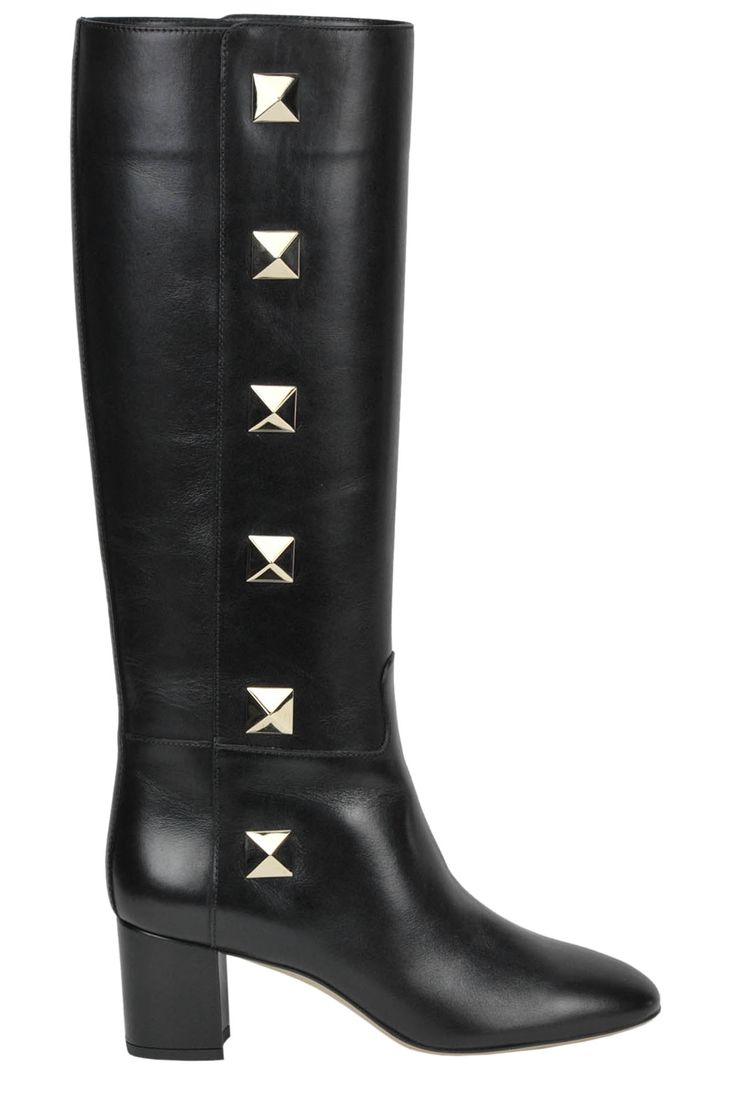 Buy Valentino Boots and Ankle boots on glamest.com Fashion Outlet, select the Valentino Rockstud leather boots of your choice up to 40% off.