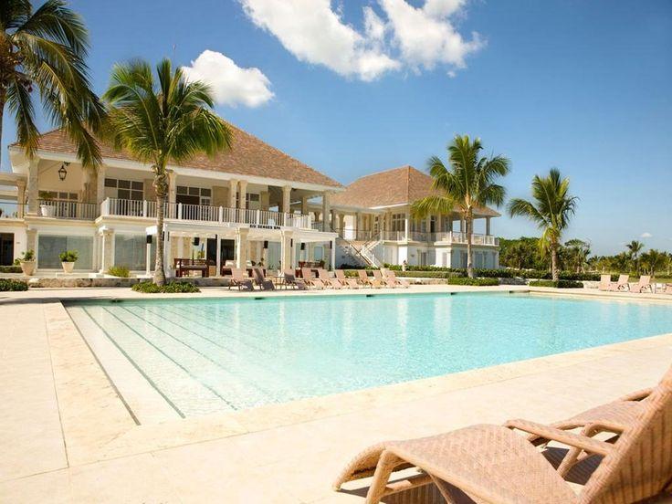 Ten luksusowy ośrodek zapewnia dostęp do prywatnej plaży w miejscowości Punta Cana, a także basen i pokoje z wanną z hydromasażem.