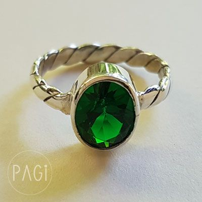 This ring was inspired from Ubud, Bali which famous for green land, terrace rice fields, and art. Made of 925 Sterling Silver and Emerald Stone. Price is $34.99 and still discount though 20%  Go green!!!