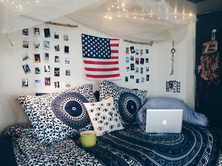 F Yeah, Cool Dorm Rooms : Photo - loving the polaroids