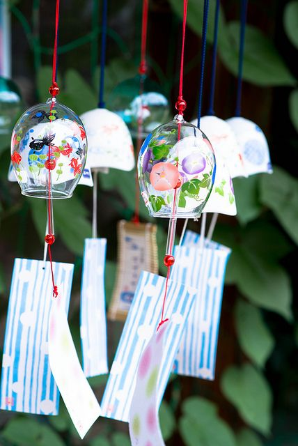 Japanese wind chimes, Furin 風鈴 turn your old wine glasses into chimes (: