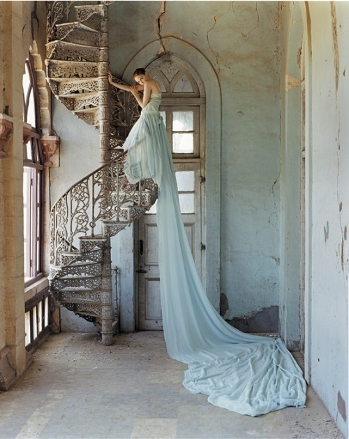 Lovely.: Couture Gowns, Spirals Stairs, Dream, Spirals Staircase, Tim Walker, Weddings Dresss, The Dresses, Weddings Photo, Weddings Dresses