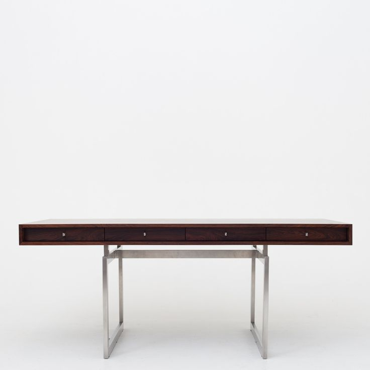 Desk in rosewood