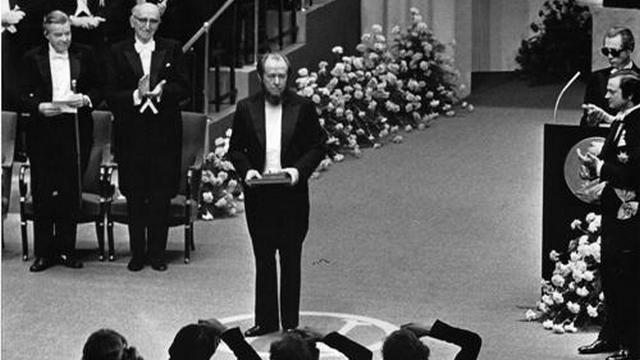 Картинки по запросу солженицын нобелевская премия
