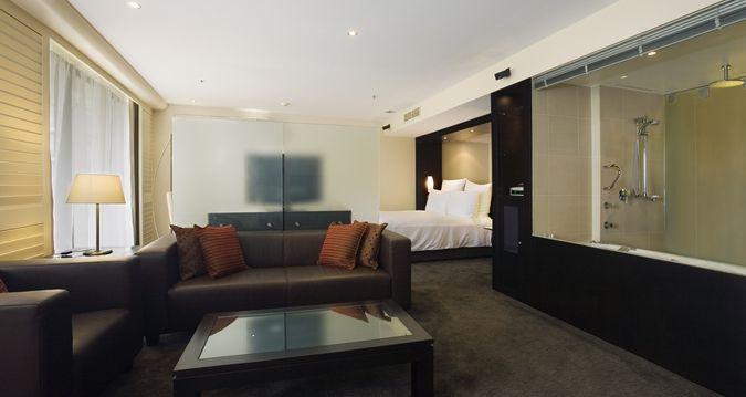 Hilton Cairns - living room