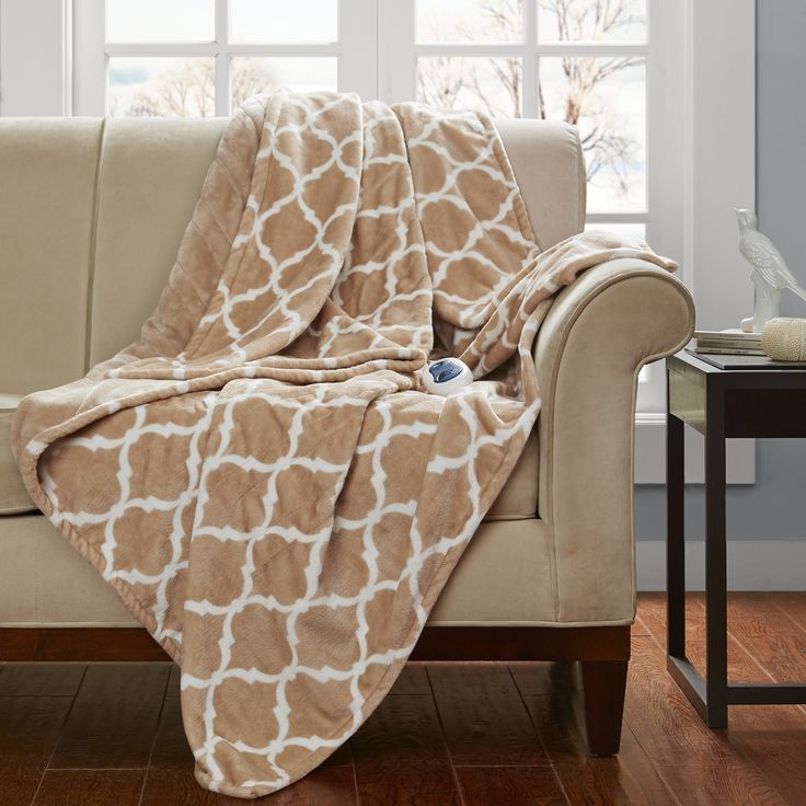 Beautyrest Oversized Heated Ogee Throw