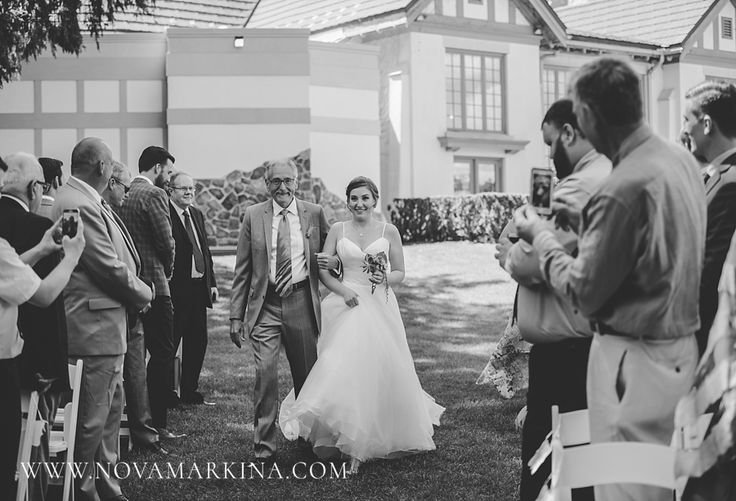 Walking Down the Aisle to Meet Her Love || Wedding Ceremony Photographs || NovaMarkina Photography || See more of this Windermere Manor Wedding here: http://www.novamarkina.com/blog/windermere-manor-wedding-photography-k-j
