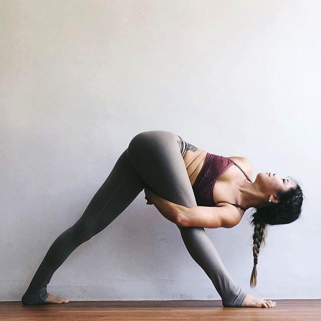 Pin By Sumy Isarel Da Silva On Health Yoga Photos Yoga Poses Yoga Photography