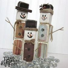 2X4 Snowman Family