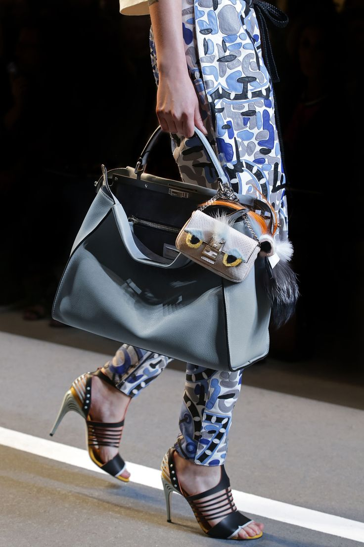 Fendi spring summer 2015 runway bag collection spotted fashion - A Detail Of The Fendi Spring Summer 2015 Collection Look 28