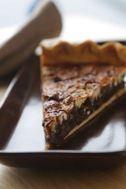 Chocolate Pecan Pie :: Thanksgiving dessert