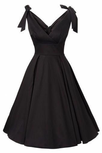 Adorable little black dress<3 I love this!!!!   elfsacks