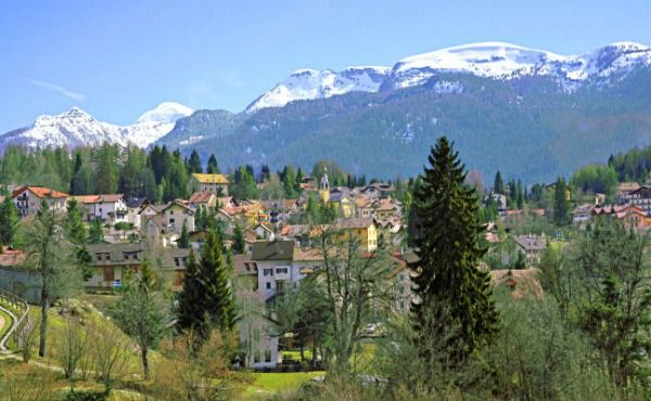 Serrada is part of Folgaria, it is known as the 'Painted Village' because the world famous artist Fortunato Depero interpreted the village both in his art and in his biography, recalling the beauty of this marvellous highland.