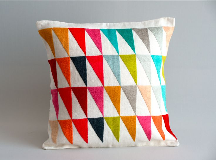 Hand embroidered cushion, traditional rwandan design with a touch of contemporary colors! #rwandandesign#rwanda#handembroidered#ibabarwanda