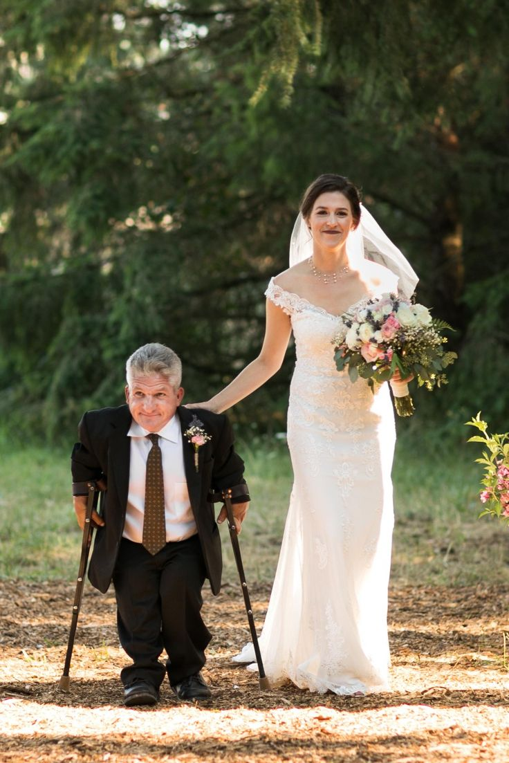 41 best lpbw 1 images on pinterest jackson amy and audrey roloff matt roloff walking his daughter molly down the aisle to her fiance joel silvius junglespirit Gallery