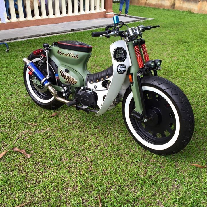 cool custom honda cub,