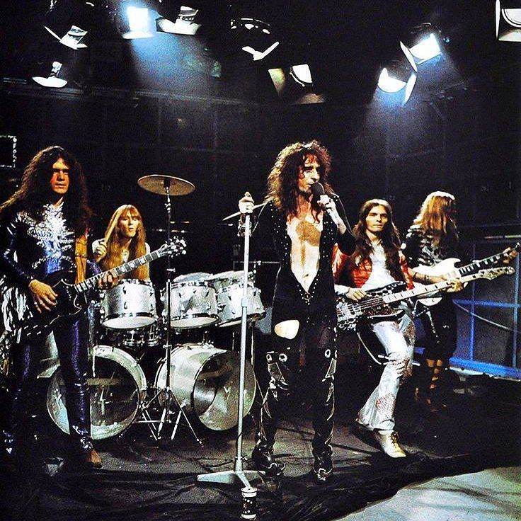 Alice Cooper: Love It To Death IT CAME ON the radio in the late afternoon and from the first note it was right: Alice Cooper bringing it all back home again. God it's beautiful - it is the most reassuring thing that has happened in this year of the Taylor Family... John Mendelsohn Rolling Stone 15 April 1971 #loveittodeath #alicecooper #rollingstone