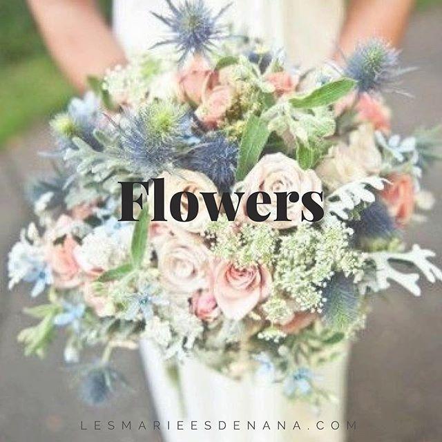 Nous vous souhaitons un bon week-end avec un joli bouquet champêtre. 💐 #lesmarieesdenana #bouquet #fleurs #dimanchehttps://www.instagram.com/p/BTOH50iBGj4/