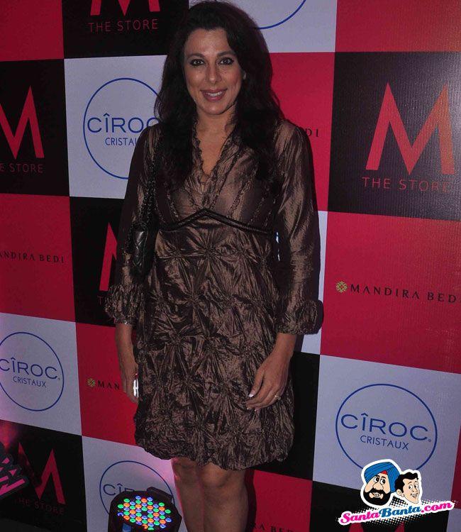 Mandira Bedi Store Launch -- Pooja Bedi Picture # 319982