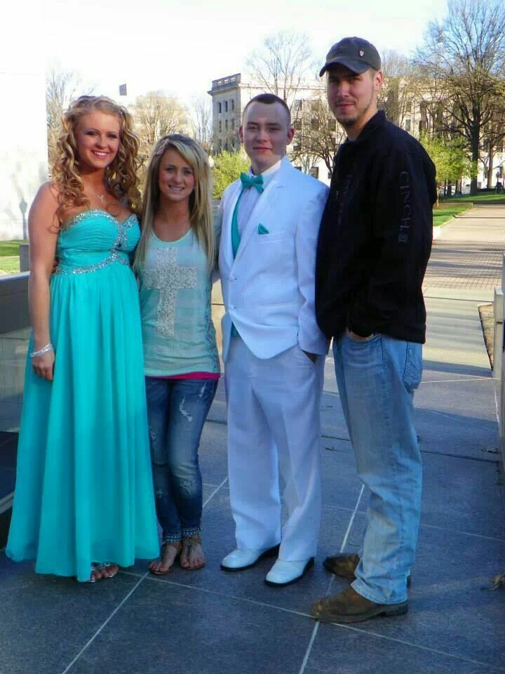 Leah and jeremy with leahs brother issac and his girlfriend