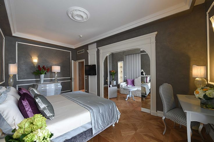 Hotel Savoia & Jolanda in Venice. Restyling and decoration by Ometto Interior Design: classic decoration and modern style (and the hotel did no close one day!).   #luxury #hotel #decoration #restyling #Italy #classic #modern #contract #room
