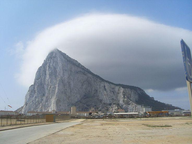 Efecto 'foam', Gibraltar, verano de 2010 ◆Gibraltar - Wikipedia http://es.wikipedia.org/wiki/Gibraltar #Gibraltar