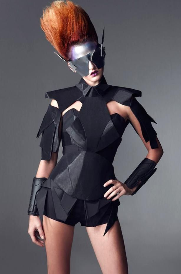 Missmetaverse Future Fashion Detail Structure Design Style Futuristic Wearable Art Black High Fashion Coutu In 2020 Futuristic Fashion Fashion Future Fashion