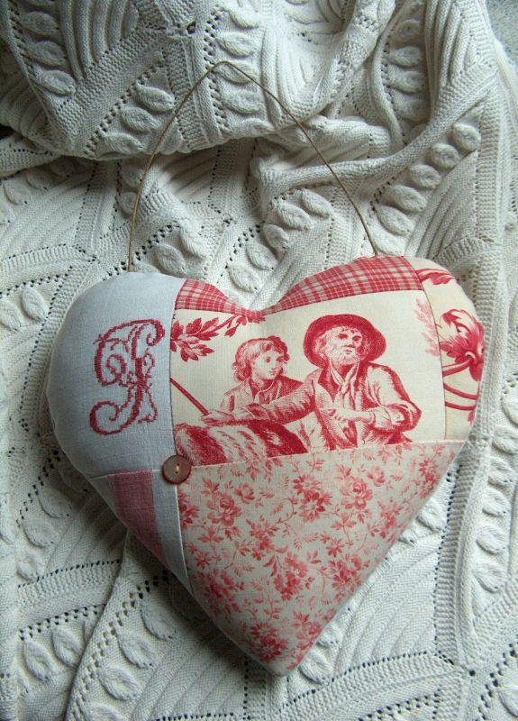 cœur toile de jouy                                                                                                                                                                                 Plus