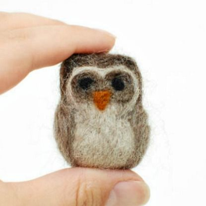 How to Make a Needle Felted Owl {Photo Tutorial} | Petals to PicotsPetals to Picots