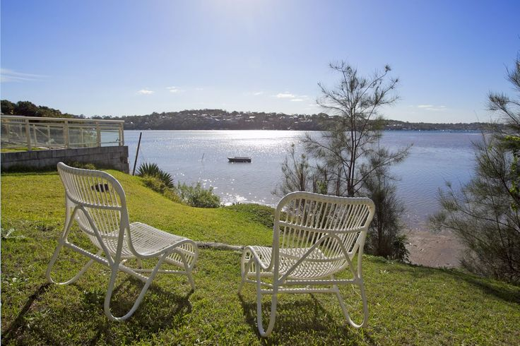 Maianbar Shack-Available for holiday rental. To Book call 9527-7733 or view on bundeenarealestate.com.au