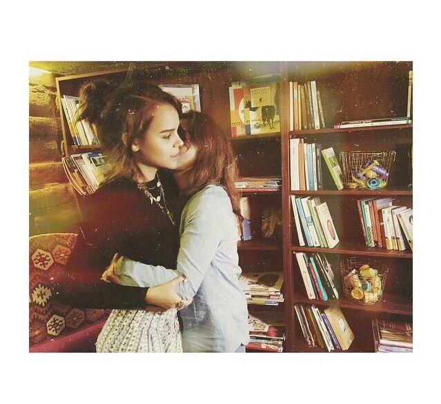 yuyacst vía instagram: Quiero tus besos toda mi vida mamá.