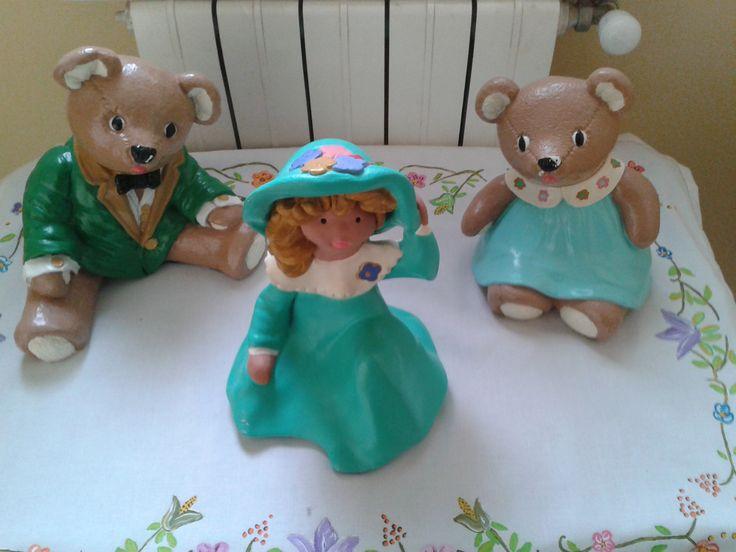 Familia osos sobre mantel