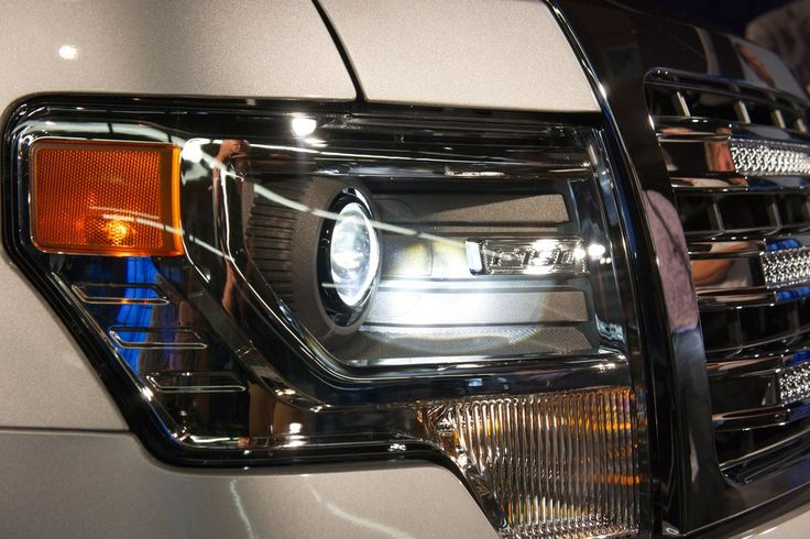 white ford f-150 front end ligh