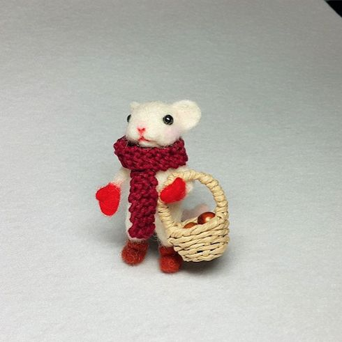 Cute Needle felted project wool animal mouse(Via @key_to_the_sun)
