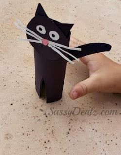 DIY: Easy Black Cat Toilet Paper Roll Craft For Kids | http://www.sassydealz.com/2013/09/diy-easy-black-cat-toilet-paper-roll.html