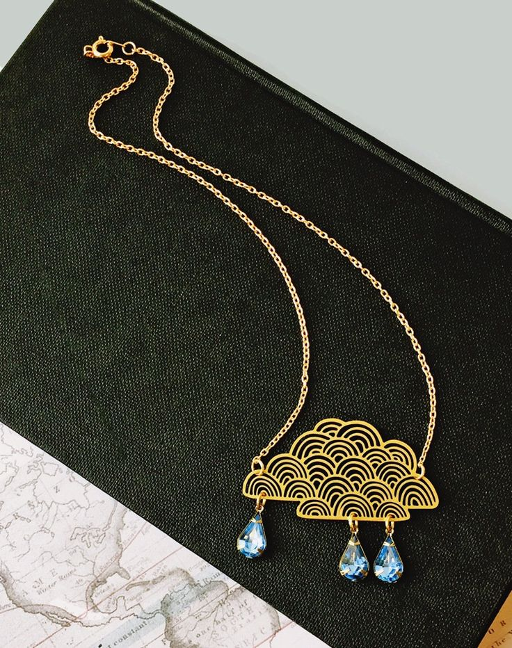 You+Cannot+Be+Cirrus+Cloud+Necklace+—+Eclectic+Eccentricity+Vintage+Jewellery