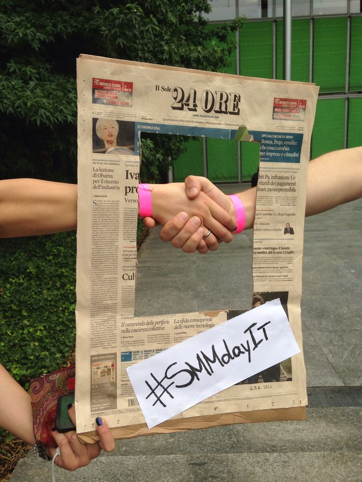 Shaking hands #sMMdayit #sole24ore #gestures #hands