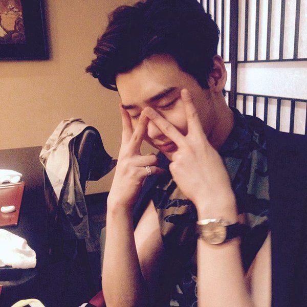 amyhsk:  supernad2:  [April 14, 2016] LeeJongSuk Instagram Update    간만에.. 문명으로.. ㅠㅠㅠㅠㅠ   Source:  jongsuk0206    After such a long time.. back to civilisation.. ㅠㅠㅠㅠㅠ