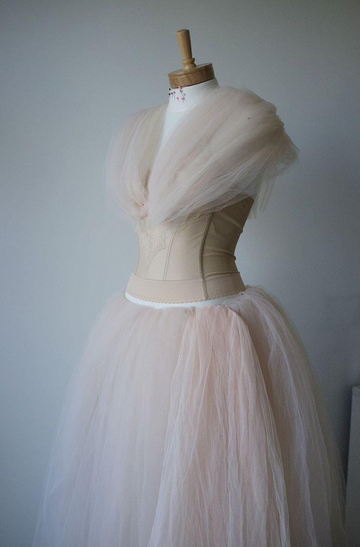 Sue Bryce Dress tutorial | http://www.inbedwithsue.com/2014/06/30/hack-your-own-designer-gown/