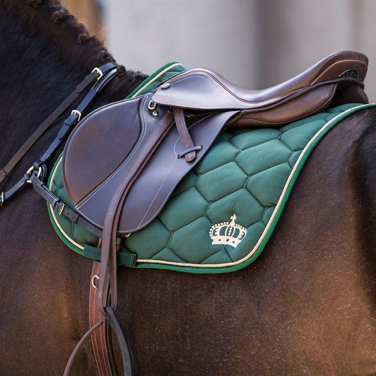 Köp ridkläder, hästutrustning och hundtillbehör online eller i butik! Hööks är Skandinaviens ledande företag inom hästsport och säljer allt för ryttare, häst ka