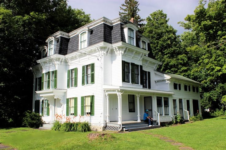 4445 best images about victorian houses on pinterest for Large victorian homes for sale