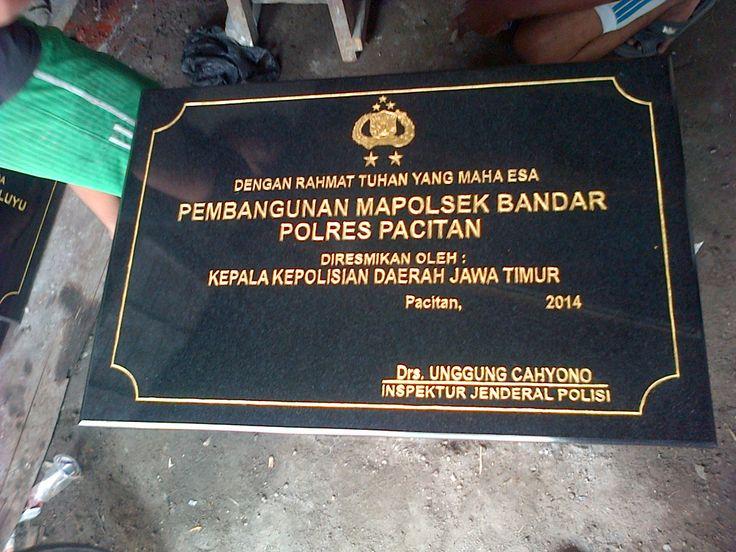 Prasasti granit untuk Polres Jawa Timur