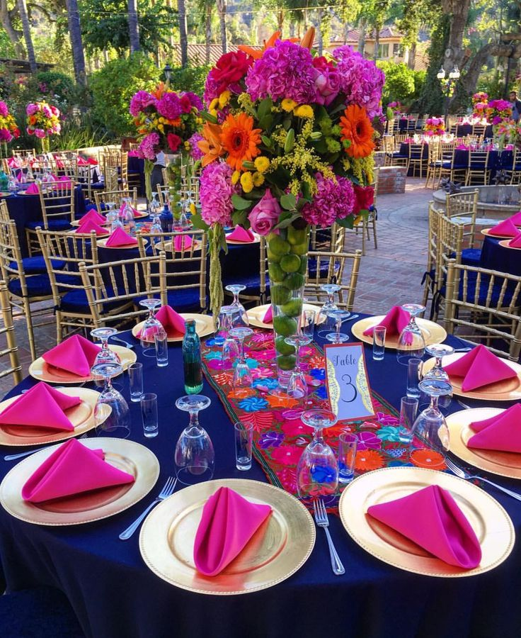 Mexican Themed Wedding Reception: Lovely Mexican Place Settings