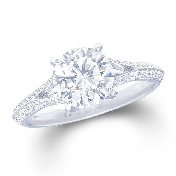 GRAFF(グラフ)の婚約指輪、ザ・グラフ レガシーのご紹介です。細い2本のシャンクを重ねダイヤモンドをちりばめたグラフらしいデザインのレガシー。そのデザインは、センターストーンを光で満たし、石の持つ自然の輝きを引き出す。©GRAFF DIAMONDS LIMITED【ゼクシィ】なら、GRAFF(グラフ)のエンゲージメントリングも多数掲載中。