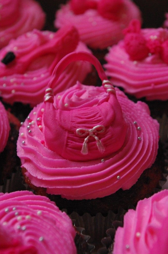 Pink and Black Bridal Shower Cupcakes -