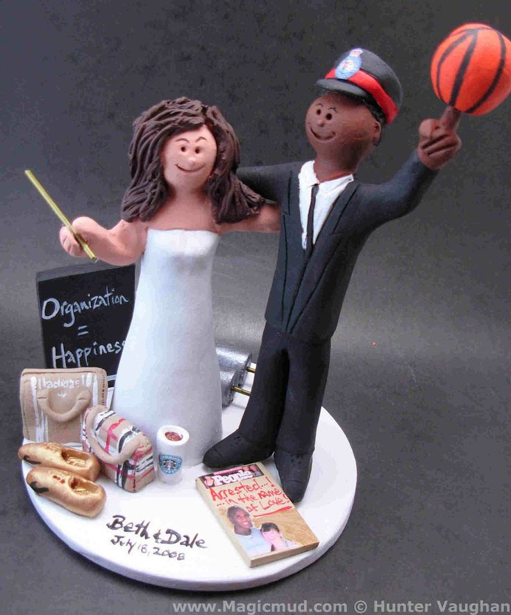 Policemans Wedding Cake Topper by http://magicmud.com/Wedding%20photos.htm magicmud@magicmud.com  1 800 231 9814  https://www.facebook.com/PersonalizedWeddingCakeToppers  https://twitter.com/caketoppers  #wedding #cake #toppers #custom#personalized #Groom #bride #anniversary #birthday#weddingcaketoppers#cake toppers#figurine#gift#wedding cake toppers#basketball#policeman#cop