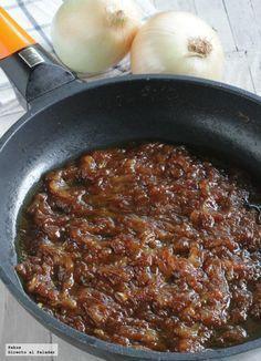 Receta sencilla para confitar o caramelizar cebolla. Cómo hacer cebolla caramelizada rápidamente con fotos paso a paso y sugerencias para su util...