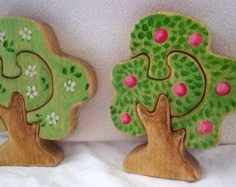 Holz Puzzle Apple Tree / / Waldorf Art Tabelle / / Geschenk für Kleinkinder / / Baum Figur handgefertigt Eco Friendly Spielzeug / / Albero / / Mela / / Manzana