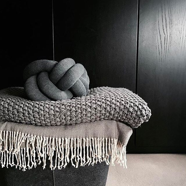 Grey on grey. Nice picture (and fantastic light!) of Knot cushion by @zoe.interiors 📸👌